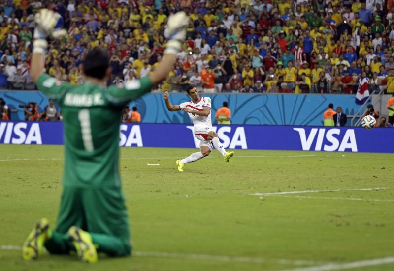Kostarika uzvar pendelēs un pirmo reizi iekļūst 1/4finālā
