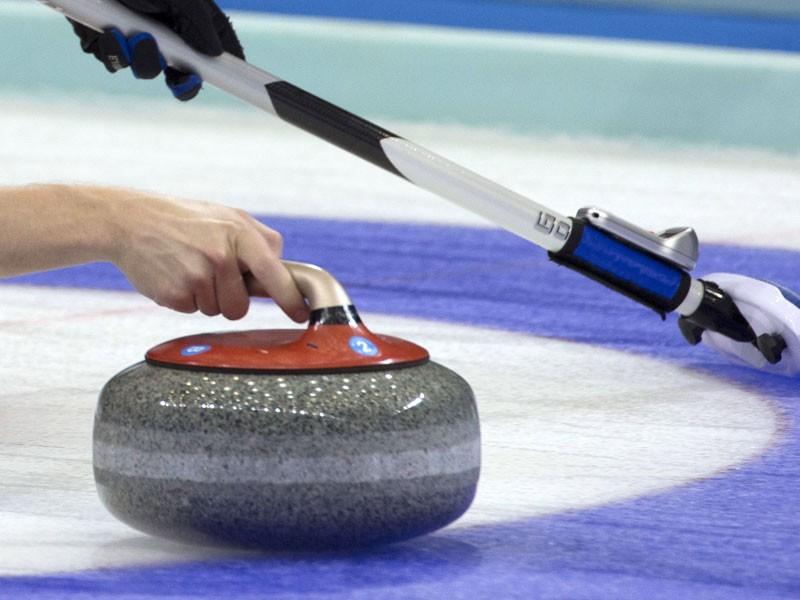 Latvijas juniores pasaules čempionāta B divīzijā kērlingā iekļūst izslēgšanas spēlēs