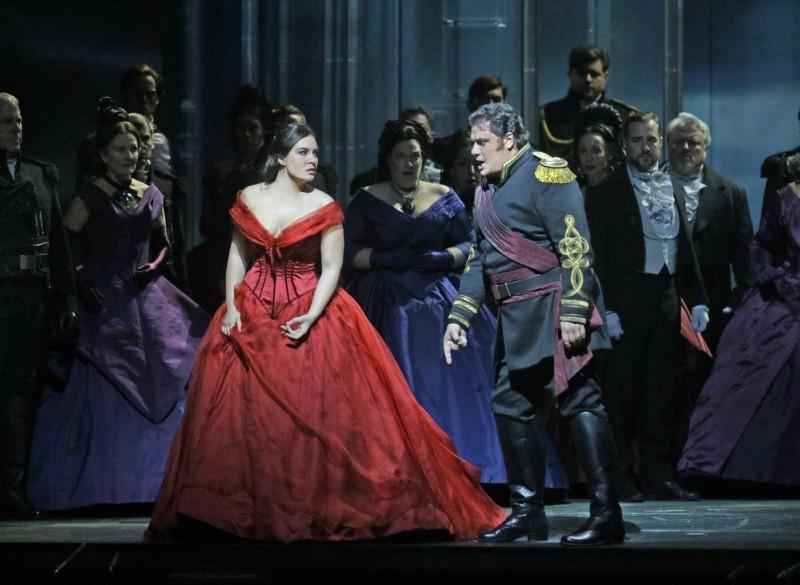 Ņujorkas Metropoles operas teātris jauno sezonu svinīgi atklāja ar Džuzepes Verdi operas Otello jauniestudējumu