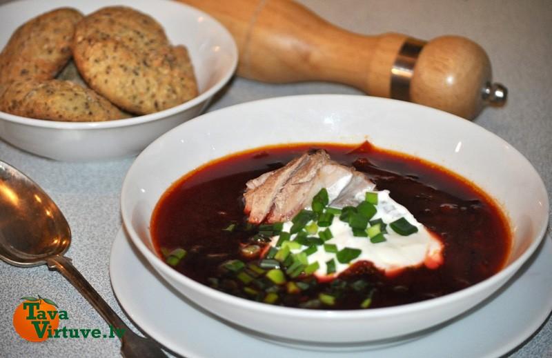 Borščs jeb sarkano biešu zupa