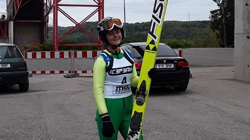 Šķēle uzstāda jaunu Latvijas rekordu - 74 m