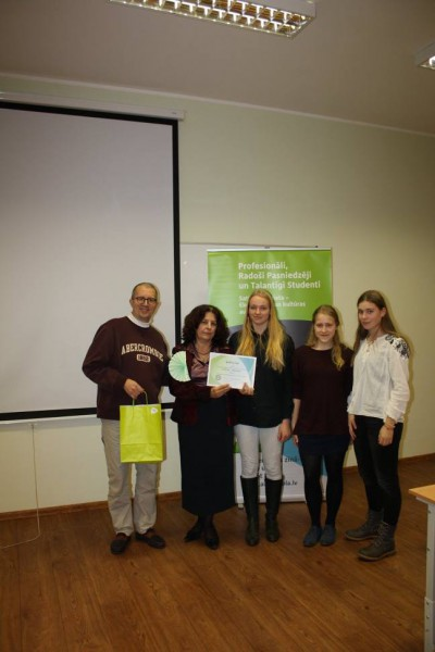 Noskaidroti angļu valodas eksperti Latvijas skolēnu vidū