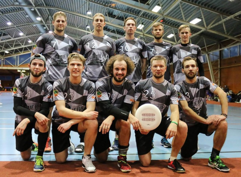 """LFL pārspēļu turnīrā uzvar """"Valmiera"""" un """"UltiManiacs"""""""