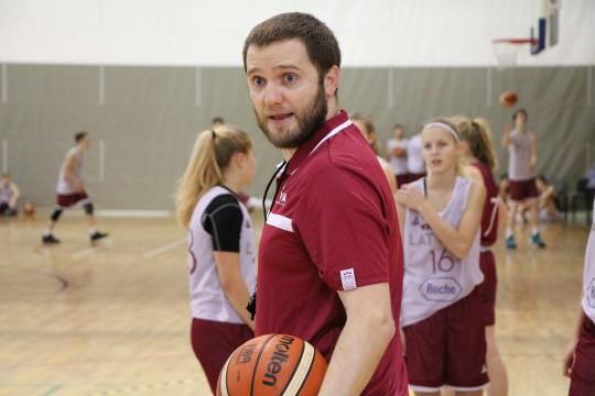 """Kaspars Mājenieks: """"Sporta skolas, dzenoties pēc rezultāta, aizmirst par spēlētājiem"""""""