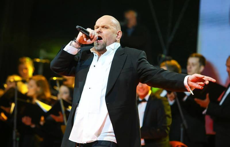 """Jānis Bukums Latvijas valsts svētkos dāvina sava albuma """"UGUNSLIETUS"""" bezmaksas lejupielādes"""