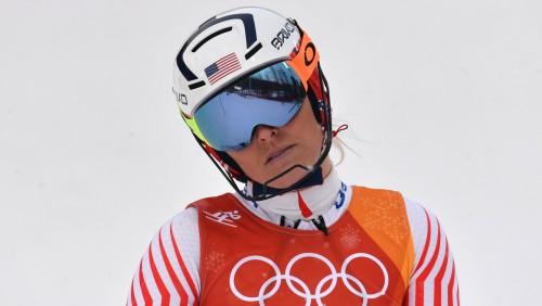 Titulētā Vona ar izstāšanos, visticamāk, beidz olimpisko spēļu karjeru, zelts šveicietei