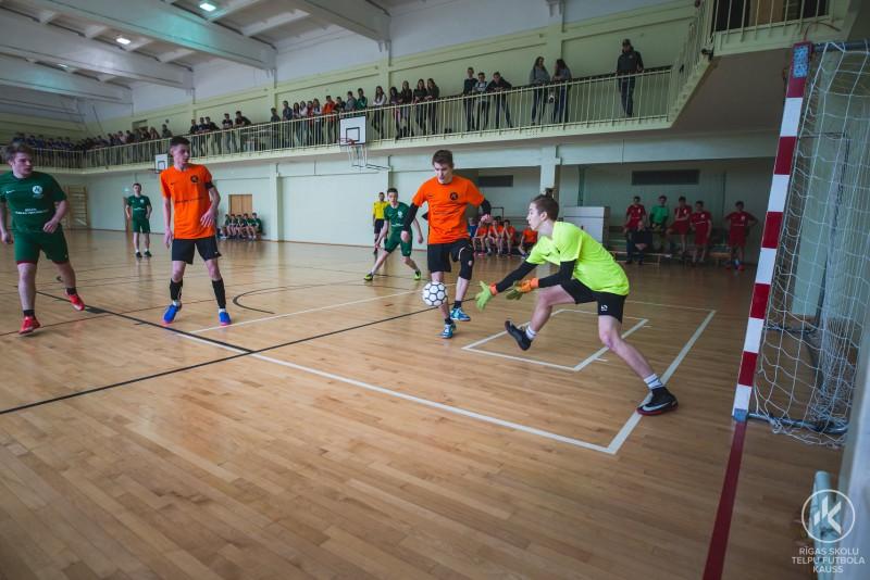 Noslēdzies Rīgas Skolu telpu futbola kausa trešais posms zēniem un meitenēm