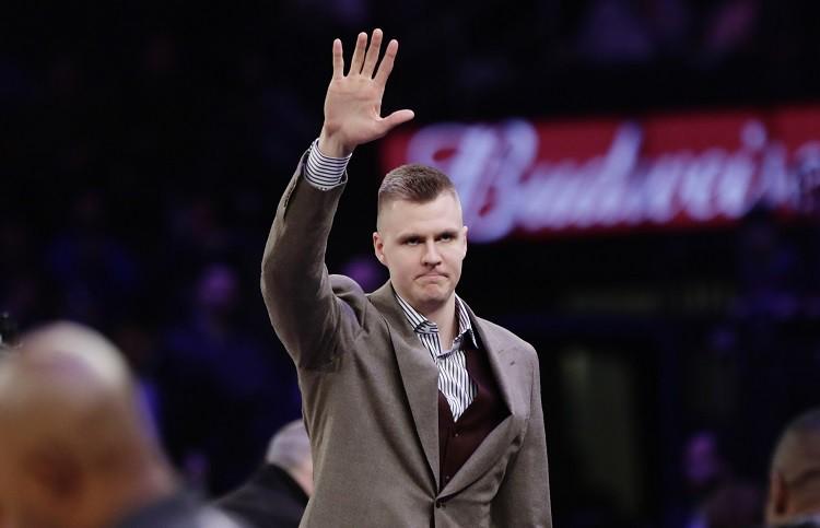 """Porziņģis pēc divu gadu pārtraukuma tiksies ar """"Knicks"""" vadību"""