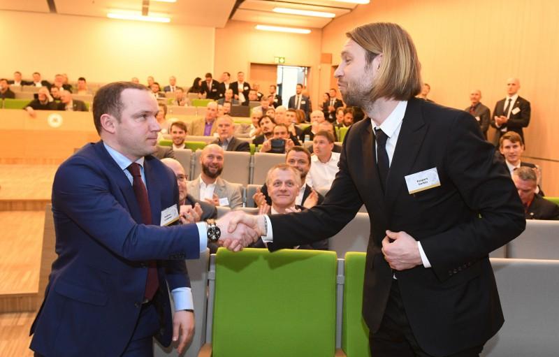 Ļašenko sasauc preses konferenci, lai runātu par neuzticības izteikšanu Gorkšam