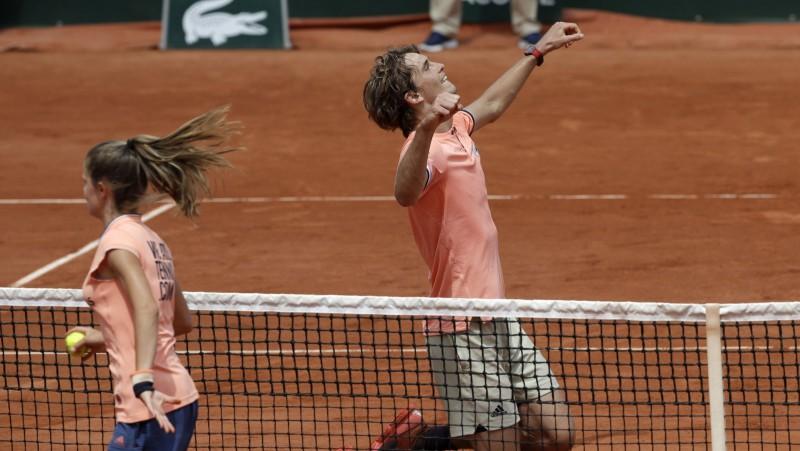 """Zverevs un Čekinato pirmoreiz tiek """"Grand Slam"""" ceturtdaļfinālā"""