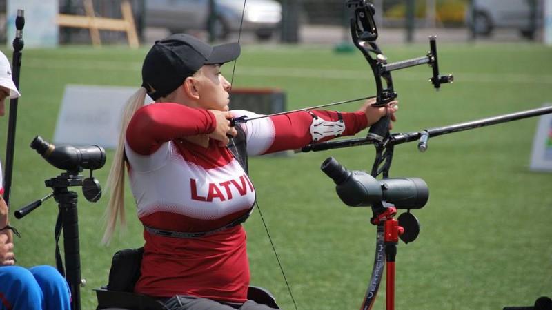 Loka šāvēji Jonasts un Melle izcīna sesto vietu paraolimpiskā EK posma komandu sacensībās