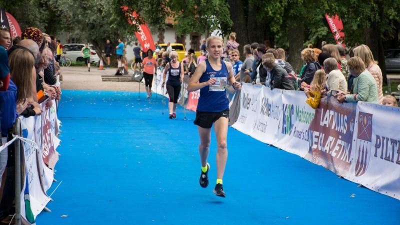Skrējēja Neimande Čikāgā sasniedz šī gada otro labāko maratona rezultātu Latvijā