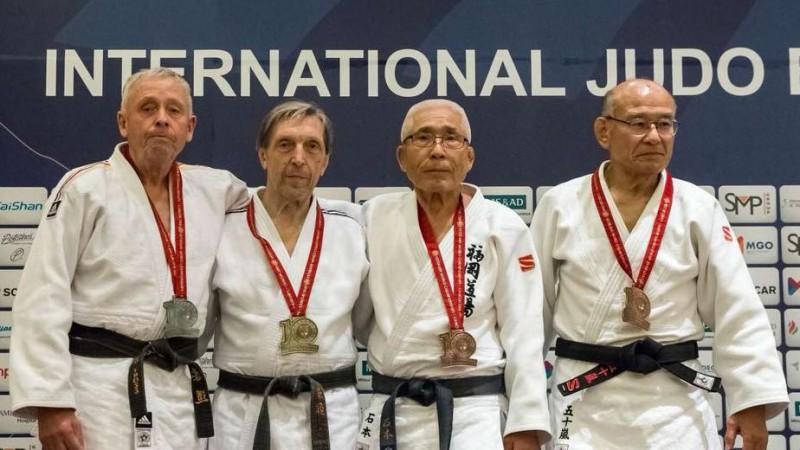 Azarovs atkal kļuvis par pasaules veterānu čempionu džudo