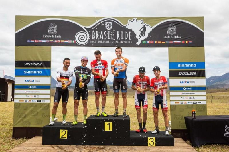 """Blūms un Karstensens uzvar """"Brasil Ride"""" trešajā posmā"""