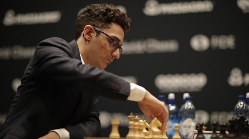 Kārlsenam un Karuanam neizšķirts arī trešajā mačā pasaules šaha čempionātā