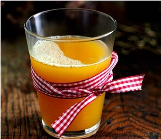 Ananāsu dzēriens ar ingveru