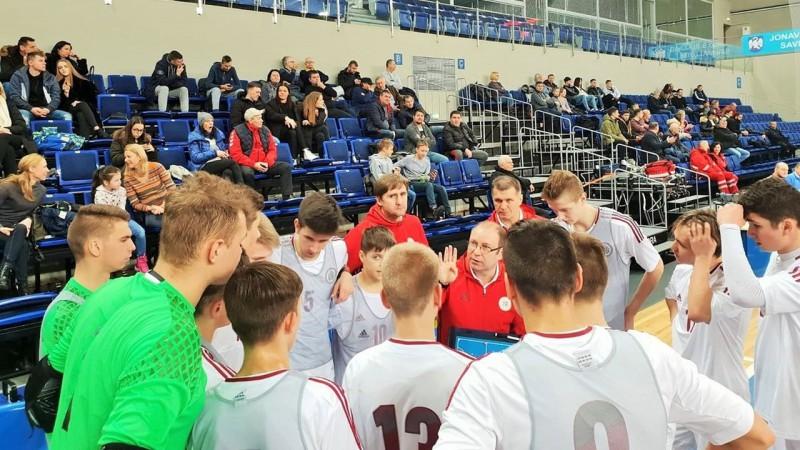 U19 telpu futbola izlase divreiz apspēlē Lietuvu