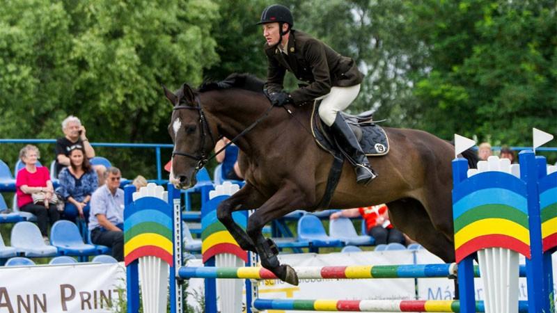 """Treneris: """"Ar normālu zirgu Švecovam jau būtu olimpiskais normatīvs"""""""
