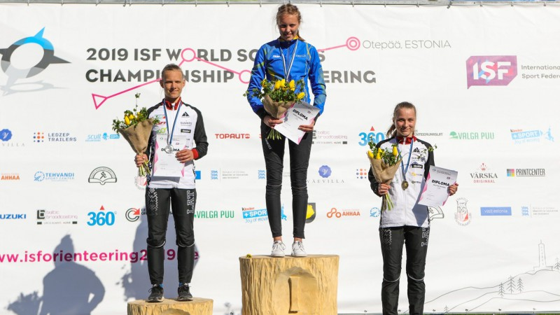 Latvijas orientieristiem trīs medaļas pasaules skolēnu čempionāta ievadā