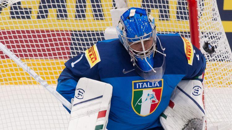"""Itālijas varonīgais vārtsargs: """"Latvieši spēlē KHL, bet mūsējie – Alpu Hokeja līgā"""""""