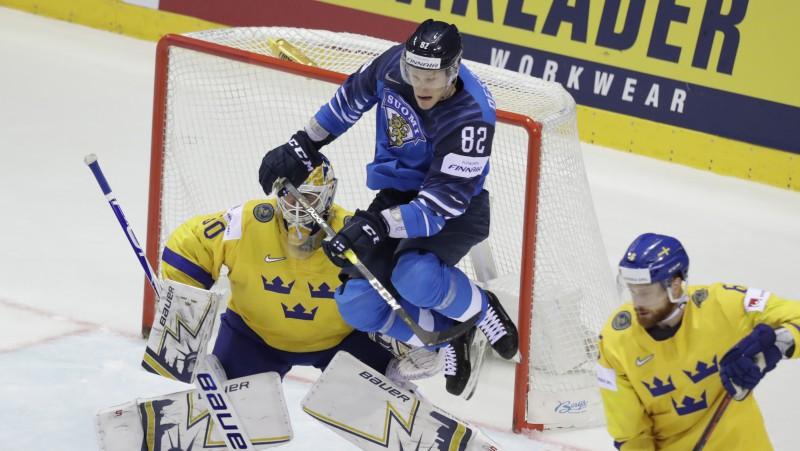 Košicē vēl viens brīnums: somi izglābjas un čempionus zviedrus aizsūta mājās