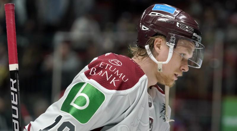 """Ābols: """"Palikšana Zviedrijā nav variants – sitīšos par vietu zem saules NHL"""""""