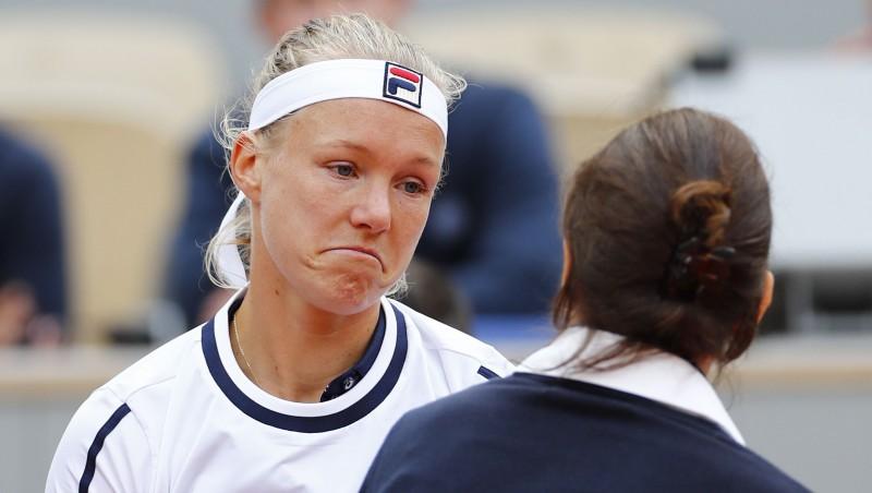 """Esot bez enerģijas, """"French Open"""" favorīte Bertensa izstājas mača piektajā geimā"""