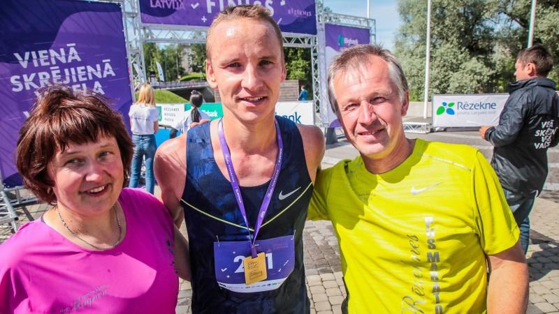 Žolnerovičs par neveiksmi Rīgā revanšējas ar uzvaru Rēzeknes pusmaratonā