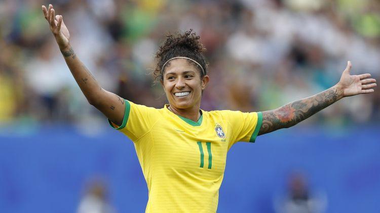 """Brazīlijas uzbrucēja Kristiane kļūst par vecāko """"hat-trick"""" autori Pasaules kausā"""