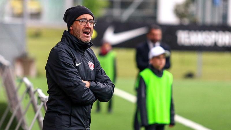 """""""Spartaks"""" paziņo par Dzavatjēri aiziešanu no galvenā trenera amata"""