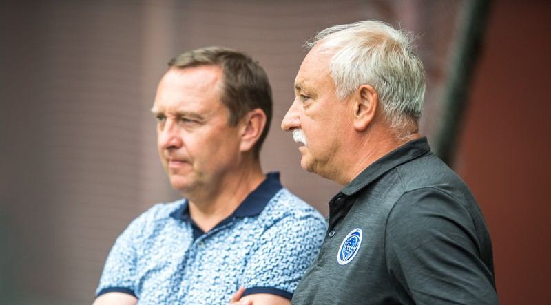 """Čempione """"Riga"""" beidzot uzticas vietējiem: Koņevs apstiprināts galvenā trenera amatā"""