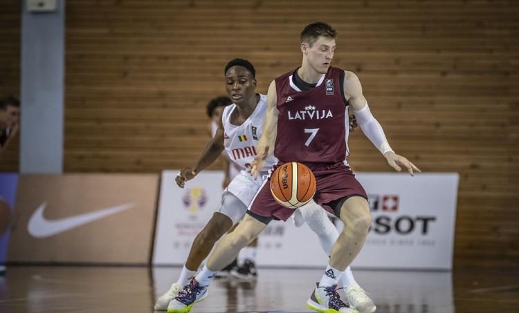 Latvijas U19 izlase Pasaules kausa ievadā zaudē atlētiskajai Mali izlasei