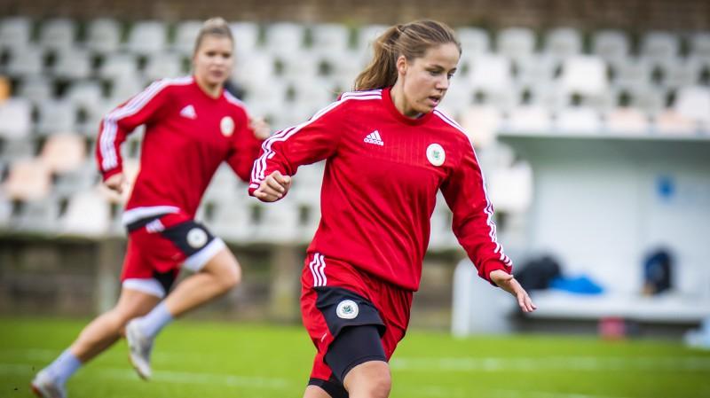Sportacentrs.com tiešraidē: dāmu izlase uzņems Islandi, U19 puiši sāks kvalifikāciju