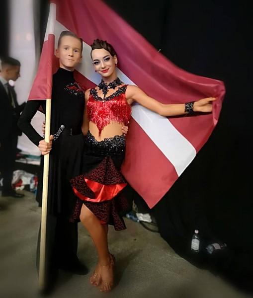 Latvijas junioru pāris iekļūst desmitniekā pasaules čempionātā 10 dejās
