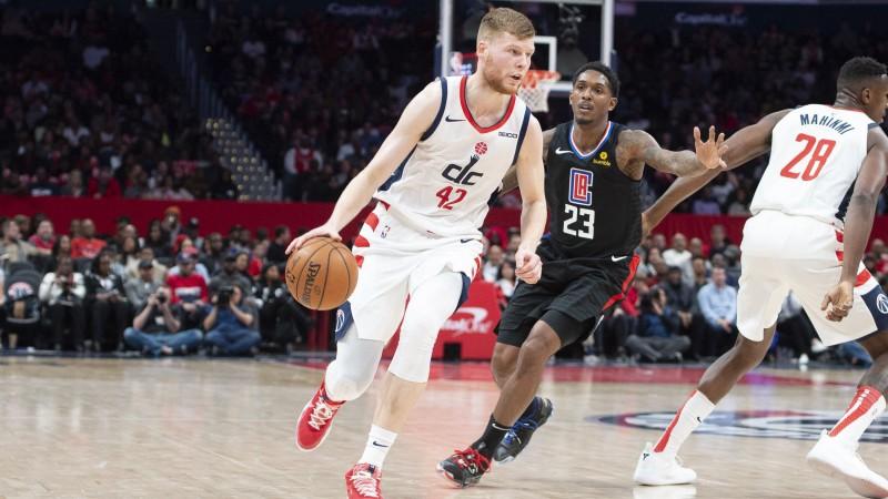 """Bertānam 25 punkti un fantastisks sniegums pret sīksto """"Clippers"""" aizsardzību"""