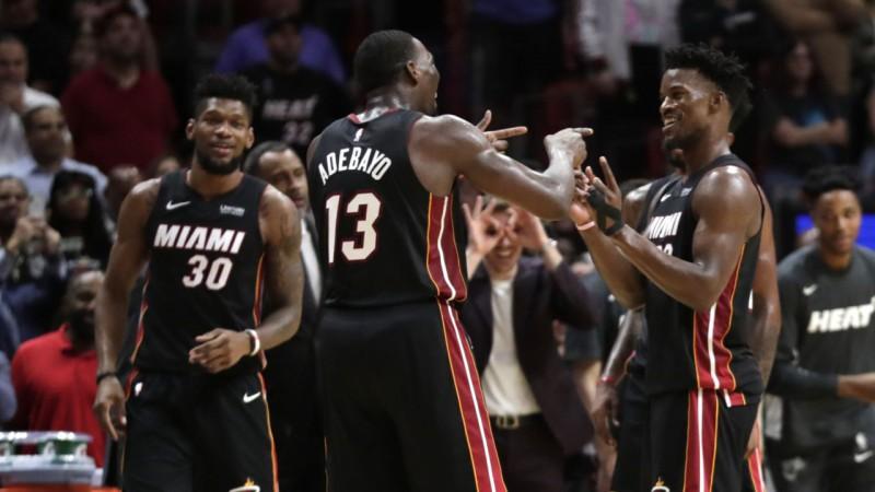 """Robinsonam desmit trīnīši, diviem """"Heat"""" spēlētājiem triple-double episkā uzvarā"""