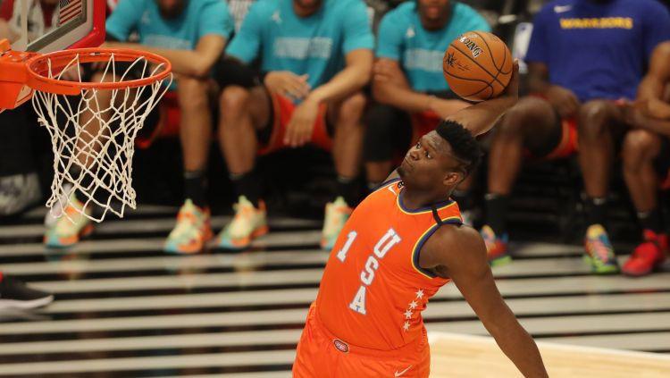 ASV komanda uzvar NBA talantu spēlē, Zaiona danks ieliec grozu