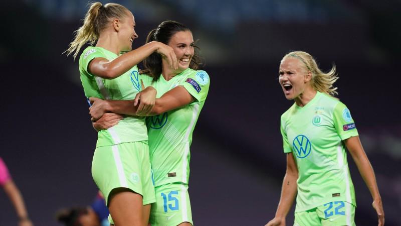"""Sieviešu Čempionu līgas finālā ceturto reizi savā starpā spēlēs """"Wolfsburg"""" un """"Lyon"""""""