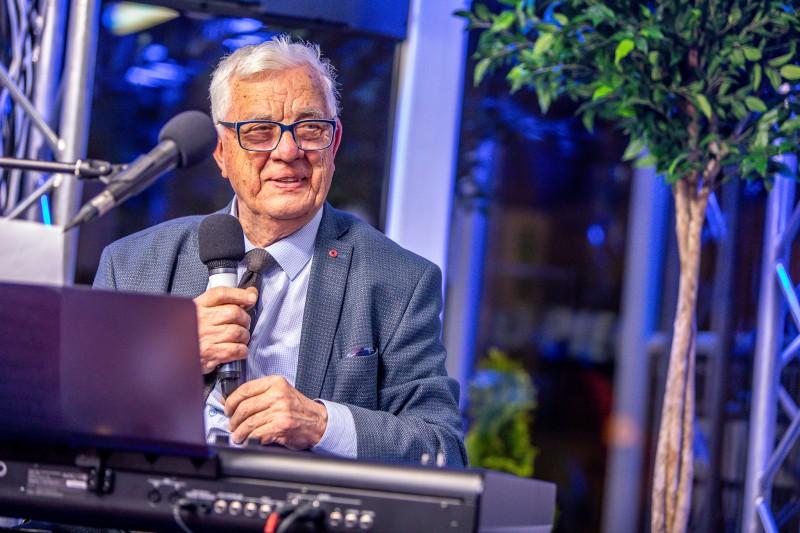 Aicina klausītājus piedalīties Raimonda Paula 85. jubilejas radio ballītē