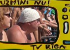 "Video: King of the beach: ""Uzmini nu"" - viņš ir ļoti nopietns..."