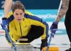 Zviedrijas un Kanādas kērlingistēm laimīgas uzvaras