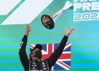 Hamiltona alga septiņas reizes lielāka nekā komandas biedram Botasam