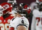 """Lieliskā Gronkovska piezemējumi atved Breidijam septīto """"Super Bowl"""" triumfu"""