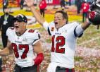 Video: Breidijs čempionu parādē pierāda, kāpēc ir leģenda, un mētā NFL trofeju