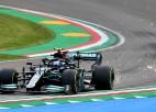 Pirmajos treniņbraucienos Itālijā ātrākie ''Mercedes'' piloti Botass un Hamiltons