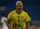 """Mājiniece Brazīlija izcīna vēl vienu graujošu uzvaru """"Copa America"""""""