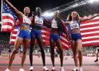 4x400 metru stafetē dominē ASV skrējēji, Polijas sieviešu izlase izcīna sudrabu