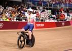 Kenijs kēringā <i>izgriež pogas</i> konkurentiem, sprintā ātrākā kanādiete Mičela