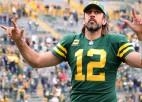 """""""Packers"""" izcīna sesto uzvaru pēc kārtas, Breidijam 600. <i>tačdaunu</i> piespēle"""