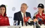 """Savickis: """"Ar meitenēm runājam, ka Latvijas mērķis ir izcīnīt galveno trofeju"""""""